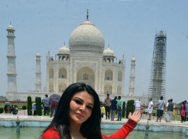 Bollywood Actress Rakhi Sawant visits Taj Mahal in Agra on May 13, 2017.