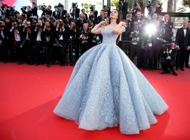 Cannes 2017: Aishwarya Rai Bachchan looks stunning as she walks the Red Carpet