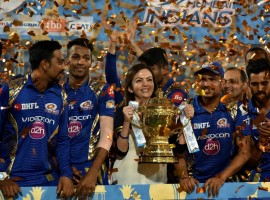 Mumbai Indians defeated Rising Pune Supergiant (RPS) in a low-scoring final to win the Indian Premier League (IPL) title here on Sunday. In a match that went right down to the last ball, Mumbai registered a one-run victory in front of packed stands at the Rajiv Gandhi International stadium. Chasing a target of 130 runs, Pune could only manage to post 128/6 in their 20 overs. Australian fast bowler Mitchel Johnson was the most successful for Mumbai with figures of 3/26, while young pacer Jasprit Bumrah also played a crucial role, returning figures of 26/2 in four excellent overs