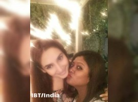 Sandalwood mass queen Ragini Dwivedi celebrated her birthday with her closest friends at her residence in Judicial layout.