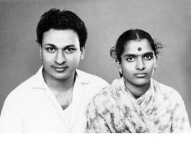 Check out some rare and unseen pictures of Producer Parvathamma Rajkumar.