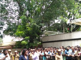 South Indian actor Upendra pays his last respects to Parvathamma Rajkumar.