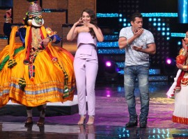 Bollywood actors Salman Khan and Sonakshi Sinha during the promotion of film Tubelight on the sets of Star Plus TV show Nach Baliye Season 8 in Mumbai.