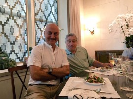 Veteran actor Anupam Kher met Hollywood star Robert De Niro, with whom he starred in