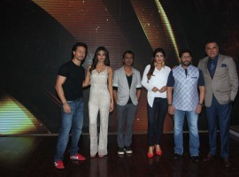 Bollywood actors Nawazuddin Siddiqui, Niddhi Agerwal, Tiger Shroff and Arshad Warsi during the promotion of film Munna Michael on the sets of reality show Sabse Bada Kalakar in Mumbai.