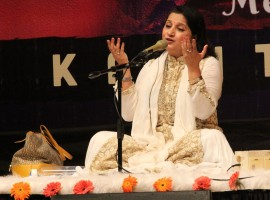 A renowned Bollywood and Sufi singer Kavita Seth has lent her voice to chart toppers Prem Mein Tohre from Begum Jaan, Aisi Hoti Hai Maa from Maatr, Iktara from Wake up Sid and Tum Hi Ho Bandhu from Cocktail to name a few.