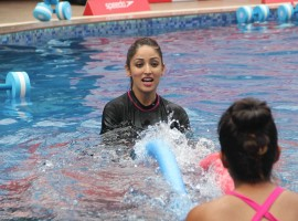 Bollywood actor Yami Gautam practice Speedo Aquafit-Vertical underwater fitness training program in Mumbai.