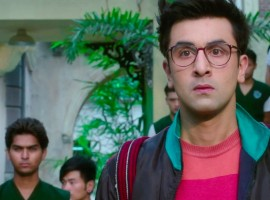 Ranbir Kapoor will be seen portraying the role of a school boy in his upcoming musical adventure Jagga Jasoos. The talented actor who will be seen in a younger avatar on screen opted to loose his muscles in order to match Anurag Basu's vision. Ranbir Kapoor is known to be a director's actor effortlessly slips into his onscreen characters, and he did no different for Jagga Jasoos.
