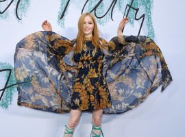 Ellie Bamber rocks in a classical look at Serpentine Gallery Summer Party.
