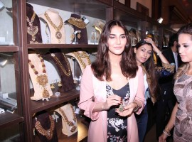 Bollywood actress Vaani Kapoor inaugurates Jewellery Exhibition Glamour 2017.