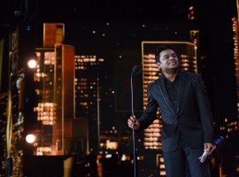 IIFA Rocks celebrated 25 years of the musical genius A. R. Rahman in the industry with a mesmerizing 90 minute performance alongside a first time medley by Hariharan, Kailash Kher, Mika Singh, Mohit Chauhan, Jonita Gandhi, Neeti Mohan, Javed Ali, Kamaal Khan and Haricharan Seshadri among others.