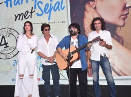 'Hawayein' the new song from 'Jab Harry Met Sejal' was unveiled today with all the pomp and glory at a seaside venue in the suburbs of Mumbai. In sync with the romantic vibe of the song, Jab Harry met Sejal makers launched their song over a sundowner sea-facing event in the presence of Shah Rukh Khan, Anushka Sharma, Imtiaz Ali and music composer Pritam.
