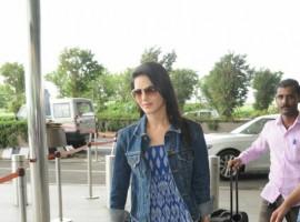 Bollywood actress Sunny Leone snapped at Chhatrapati Shivaji Maharaj International airport.