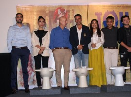 Actors Anupam Kher, Akshay Kumar, Bhumi Pednekar and Divyendu Sharma during a press conference regarding their upcoming film