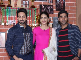 Ayushmann Khurrana, Kriti Sanon and Rajkummar Rao promote Bareilly Ki Barfi on Comedy Dangal sets.