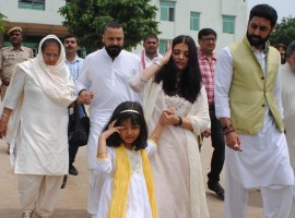 Bollywood actress Aishwarya Rai Bachchan on Saturday immersed the ashes of her late father here.