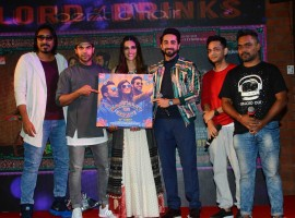 'Twist Kamariya' features Kriti Sanon aka Bitti showcasing her killer break dance moves in a celebratory setup. The vibrant and cheerful Bitti has everyone hitting the dance floor with her infectious energy. Kriti, Ayushmann and Rajkummar not only unveiled the song but also grooved to the track with their desi thumkas. The actors not only danced heart out to the latest track from the film 'Twist Kamariya' but also got to doing raasta dance on the much loved Sweety Tera Drama.