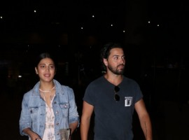 Shruti Haasan and Michael Corsale spotted at Chhatrapati Shivaji Maharaj International airport.