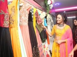 Actress Seerat Kapoor launches Akruthi Designer Studio.