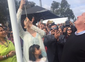 Aishwarya Rai Bachchan and Aaradhya Bachchan hoist the Indian flag at IFFM 2017 in Melbourne.