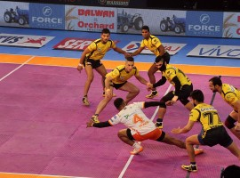 Telugu Titans staged a miraculous late comeback but eventually failed to recover from their poor start to lose 37-42 against Puneri Paltan in a second inter-zone challenge week tie of the Pro Kabaddi League Season 5 at the Netaji Subhas Chandra Bose Indoor Stadium here on Thursday. The Titans were down in the dumps in the first half, trailing 0-18, but rode Rahul Chaudhuri's superlative raiding display late on in the second essay to water down the difference rapidly from 15 points to eventually lose by five points.