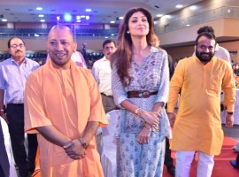 Actress Shilpa Shetty meets UP Chief Minister Yogi Adityanath in Lucknow on Sept 12, 2017.