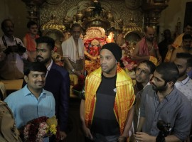 Brazilian and former Barcelona football superstar Ronaldinho visits Siddhivinayak temple.