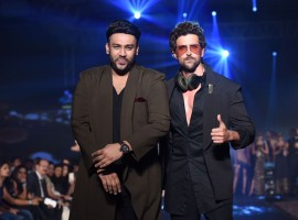 Unexpected torrential rains have brought Mumbai to a standstill with waterlogging in major parts of the city disrupting work routines, however the heavy rains did not discourage Hrithik Roshan's work commitment.