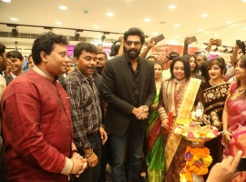 Rana Daggubati, Vijay Devarakonda & Anu Emmanuel launches KLM fashion mall at Ameerpet, Hyderabad.