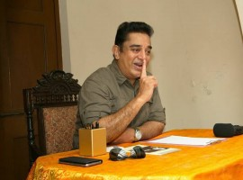 Amid persistent speculation that he will take the political plunge, noted actor-filmmaker Kamal Haasan on Wednesday met members of his fans associations here to discuss activities to be carried out on his birthday on November 7.
