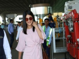 Shruti Haasan spotted at Chhatrapati Shivaji Maharaj International airport.