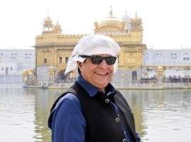 Gajendra Chauhan pays obeisance at the Golden Temple in Amritsar.
