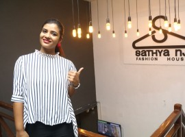 Aishwarya Rajesh unveiled the cambric collections at Sathya NJ fashion house.