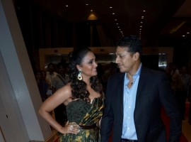 Lara Dutta along with her husband Mahesh Bhupathi at star studded red carpet of