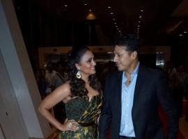 Lara Dutta along with her husband Mahesh Bhupathi at star studded red carpet of