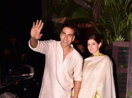 Akshay Kumar and Twinkle Khanna hold hands at Diwali Party.
