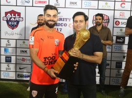 The 3rd edition of Celebrity Clasico concluded on a high note with power-packed performance from creme de la creme of the Indian entertainment industry and Indian sportsmen battling it out on the field for a noble initiative. All Heart football club walked away with a trophy of the star-studded football match held at the Andheri sports complex on the evening of 15th October. The man of the match was MS Dhoni scoring two goals for the winning team.