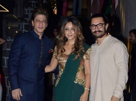 Aamir Khan poses with Shah Rukh Khan and Gauri Khan.