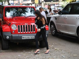 Suhana Khan spotted at skin clinic in Bandra, Mumbai.