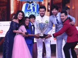 Sa Re Ga Ma Pa Li'l Champs finale -Judges Neha Kakkar, Javed Ali and Himesh Reshamiya along wih Host Aditya Narayan enjoying the finale moment with WINNERS- Anjali Gaikwad and Shreyan Bhattacharya.