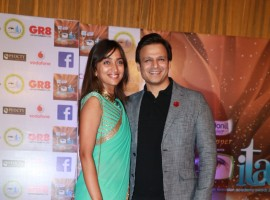 Vivek Oberoi with his wife Priyanka Alva Oberoi poses for photographers at 17th Indian Television Academy Awards in Mumbai on November 5, 2017.