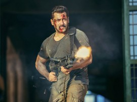 Salman Khan's much-awaited Indian Spy thriller, Tiger Zinda Hai has come out with its trailer. The trailer promises to be a complete action drama along with some blockbuster dialogues. Salman is seen performing some high-end stunts with his out of the box dialogues which surely makes for a whistle frenzy blockbuster. Fans went all out to praise their star for his dialogue delivery, stunts as well as the ruffled look and hot avatar.