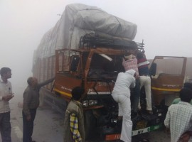 Horrific crash on Yamuna Expressway b/w Agra and Mathura.