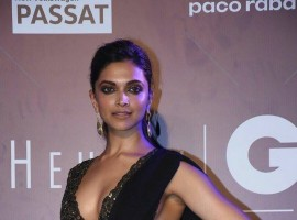 The Padmavati actress looked absolutely stunning wearing a black saree by Sabyasachi channeling her inner desi chick. The actress kept her attire neat, with earrings by Sabyasachi and a belt that highlighted her beautiful frame.