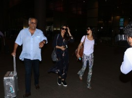 Sridevi along with her husband Boney Kapoor and daughter Janhvi Kapoor at airport in Mumbai.