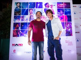 The concert rolled at Mumbai's Bandra Fort Amphitheatre with Farhan Akhtar, Armaan Malik, Harshdeep Kaur, Papon, Salim- Sulaiman and Sukriti- Prakriti preforming to a packed venue. Superstar Shah Rukh Khan made a special appearance and recited a poem written by Javed Akhtar dedicated to women.