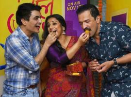 Actors Manav Kaul and Vidya Balan along with producer Atul Kasbekar during Tumhari Sulu success meet.