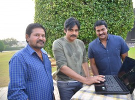 Pawan Kalyan launched 2 Countries Movie Teaser.
