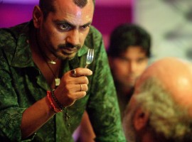 Monsoon Shootout will be hitting the screens 15th December and this Nawazuddin Siddiqui and Vijay Verma starrer is going beyond the traditional way of releasing the trailer for the film. For the first time ever a trailer will be launched where the audiences would get a choice to see the content of the trailer in two different aspects. This is a concept that has never been tried before in Bollywood and now with Monsoon Shootout, the makers are breaking away from the usual way to edit a trailer.