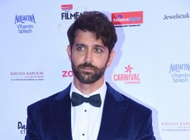 Hrithik Roshan poses for the cameras at the Red carpet at the Reliance Digital and Filmfare Glamour and Style Awards 2017 held in Mumbai on December 01, 2017.